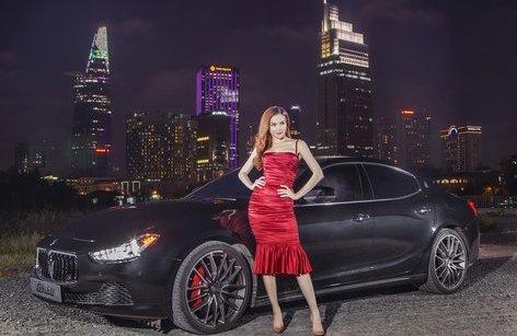 Xe++ - Hồ Ngọc Hà cầm lái Maserati Ghibli S Q4 mừng sinh nhật