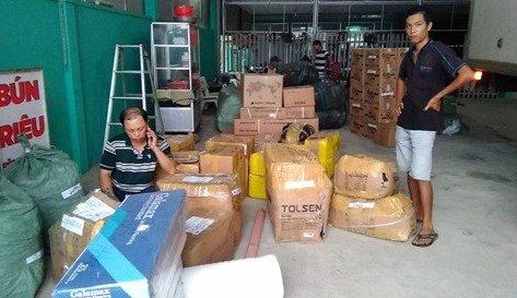 Xã hội - Hàng tấn thực phẩm không rõ xuất xứ bị tịch thu, tiêu hủy