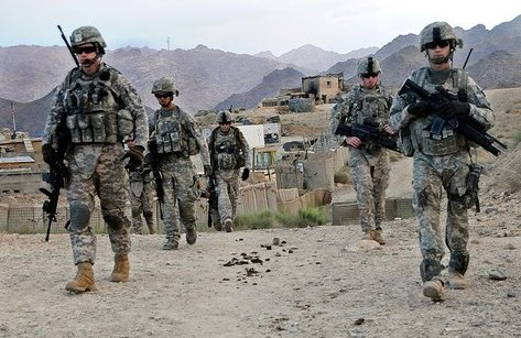 Thế giới - Tổng thống Trump và tình cảnh tiến thoái lưỡng nan ở Afghanistan