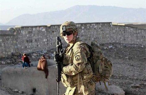 Tiêu điểm - Tổng thống Trump cấm người chuyển giới phục vụ trong quân đội