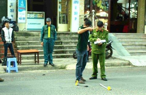 An ninh - Hình sự - Điều tra vụ hỗn chiến trước bệnh viện