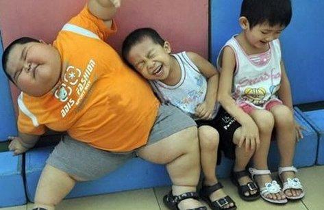 Dinh dưỡng - Nguy hiểm không ngờ từ bệnh béo phì của trẻ em Việt Nam