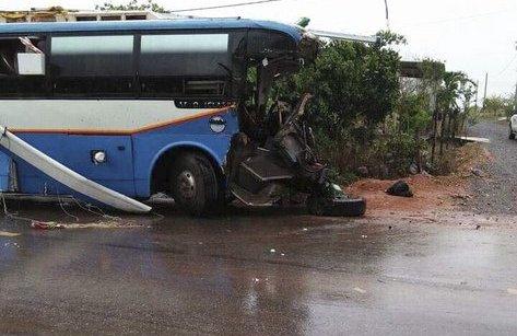 Tin nhanh - Quảng Bình: 3 người chết, nhiều người nhập viện sau tai nạn xe khách