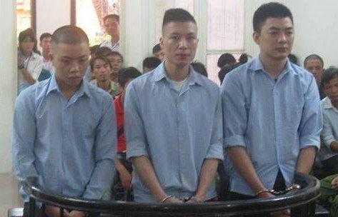 Hồ sơ điều tra - Tòa tuyên án nhóm trai làng huyết chiến vì va chạm giao thông