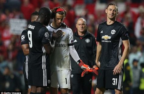 Bóng đá Quốc tế - Mourinho yêu cầu học trò 'đánh tâm lý' Mile Svilar