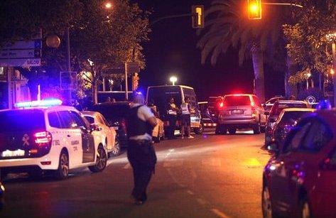 Tiêu điểm - Liên tiếp tấn công khủng bố ở Tây Ban Nha: Hàng trăm người thương vong, cảnh sát bắn hạ 5 nghi phạm