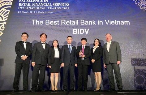 Tài chính - Ngân hàng - Dấu ấn Ngân hàng bán lẻ Việt Nam trên trường Quốc tế