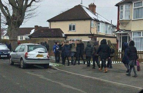 Tiêu điểm - Tin nóng thế giới ngày mới 20/3: Hơn 400 trường học ở Anh bị đe dọa đánh bom