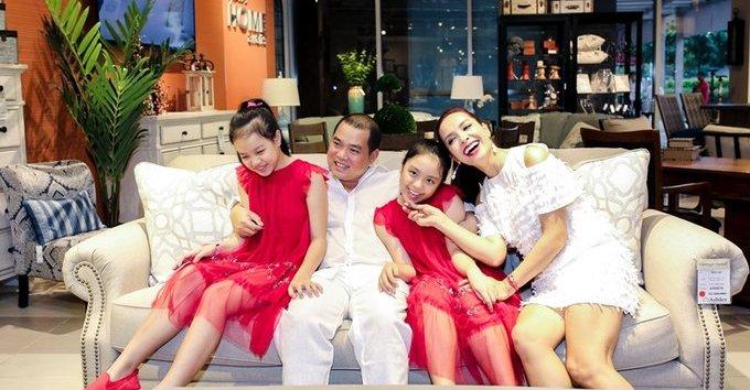 Ngôi sao - Tan chảy với hạnh phúc ngọt ngào của gia đình Thúy Hạnh – Minh Khang