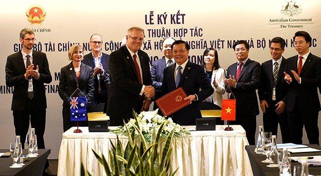 Xã hội - Bộ Tài chính Việt Nam và bộ Ngân khố Úc ký biên bản hợp tác