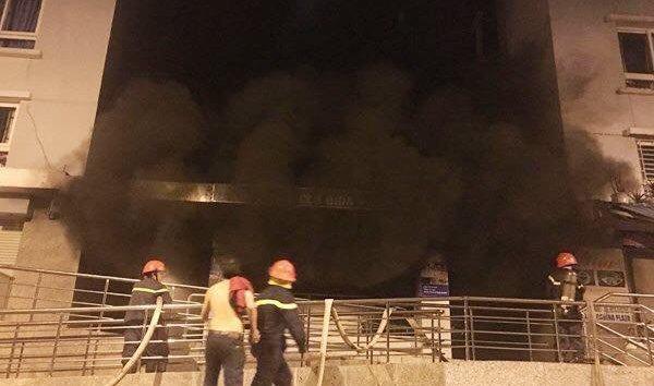 Tin nhanh - TP.HCM: Toàn cảnh hiện trường vụ cháy chung cư Carina khiến ít nhất 13 người thiệt mạng