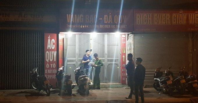 Hình sự - Clip: Người dân và công an truy đuổi đối tượng cướp tiệm vàng ở Hà Nội