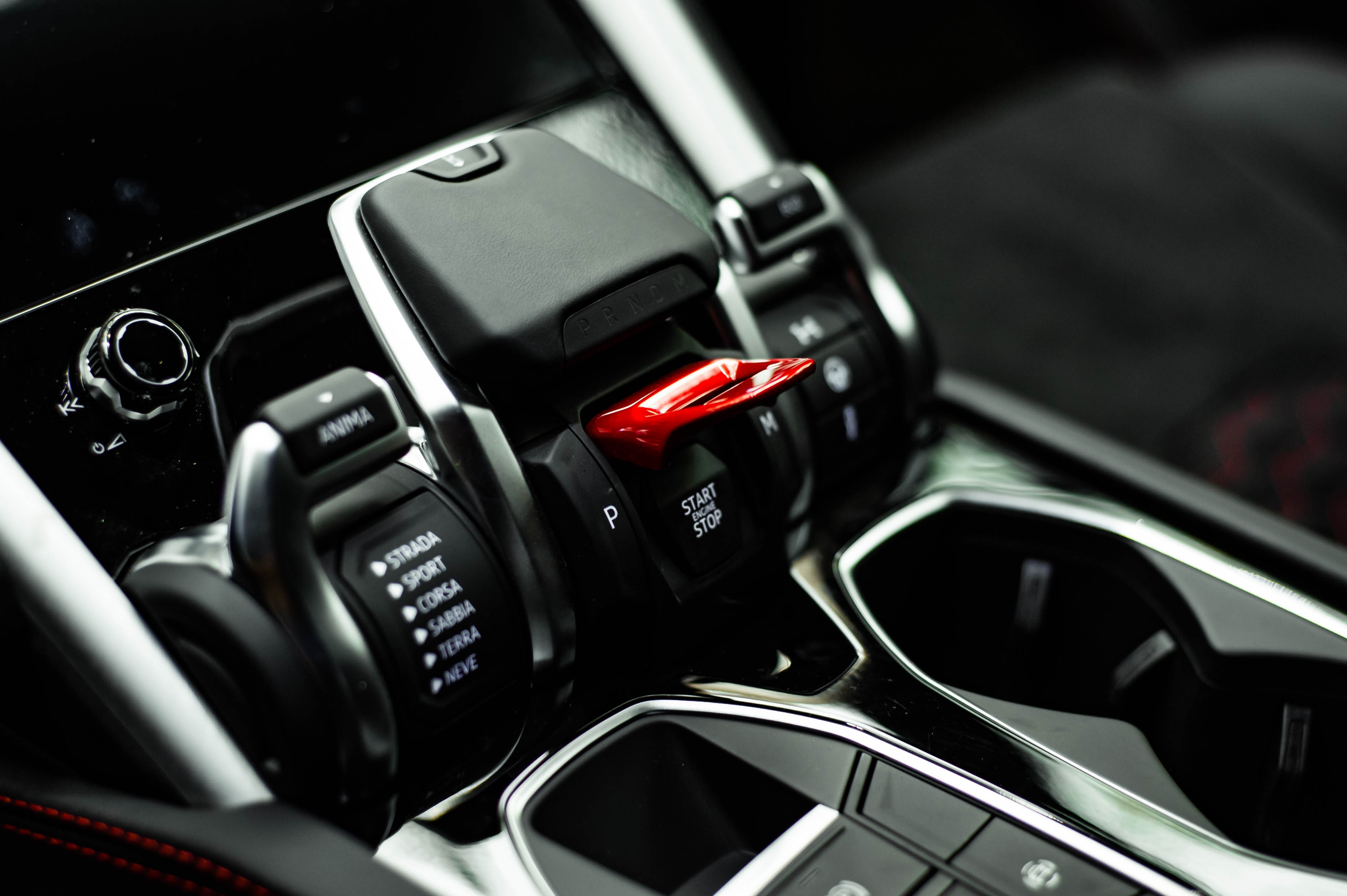 Đánh giá xe - Ngắm Lamborghini Urus màu đen đầu tiên về VN, giá khoảng 1 triệu USD (Hình 33).