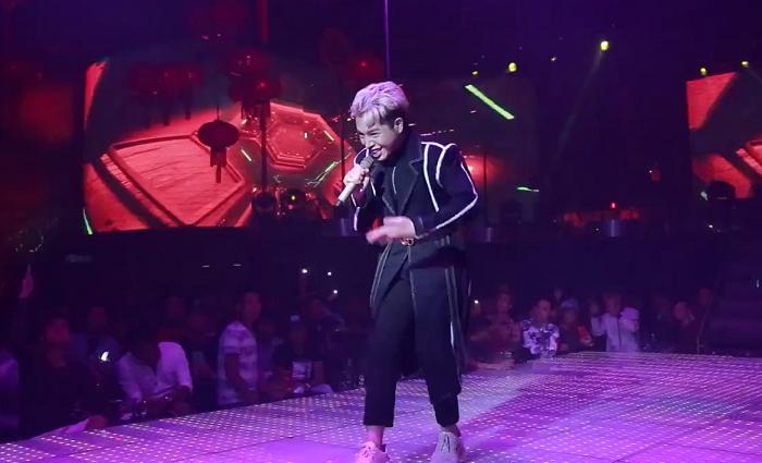 Giải trí - Clip: Đức Phúc lại gây sốt mạng xã hội với màn vũ đạo 'chém hoa quả'