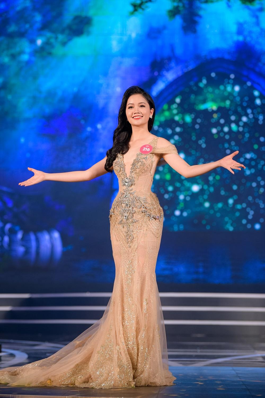 Lộ diện 19 người đẹp đầu tiên vào Chung kết Hoa hậu Việt Nam 2018 - Hình 12