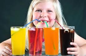 Đời sống - Những loại nước uống khiến trẻ 'lùn tịt' mẹ cần ghi nhớ