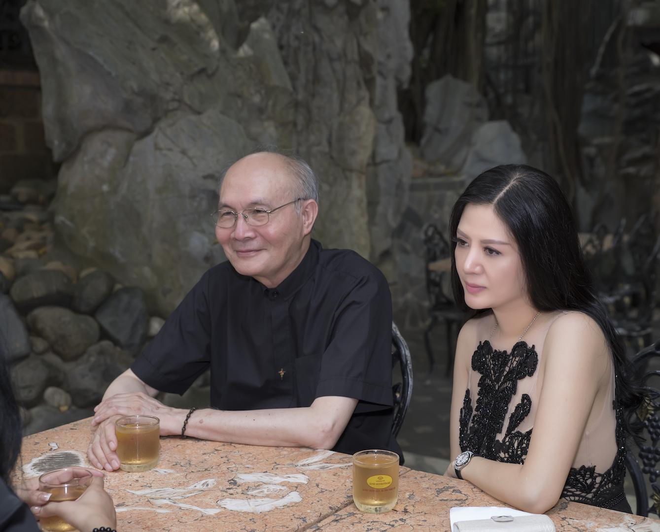 Giải trí - 'Nữ hoàng phòng trà Hà Nội' bất ngờ tái xuất vì Vũ Thành An (Hình 3).