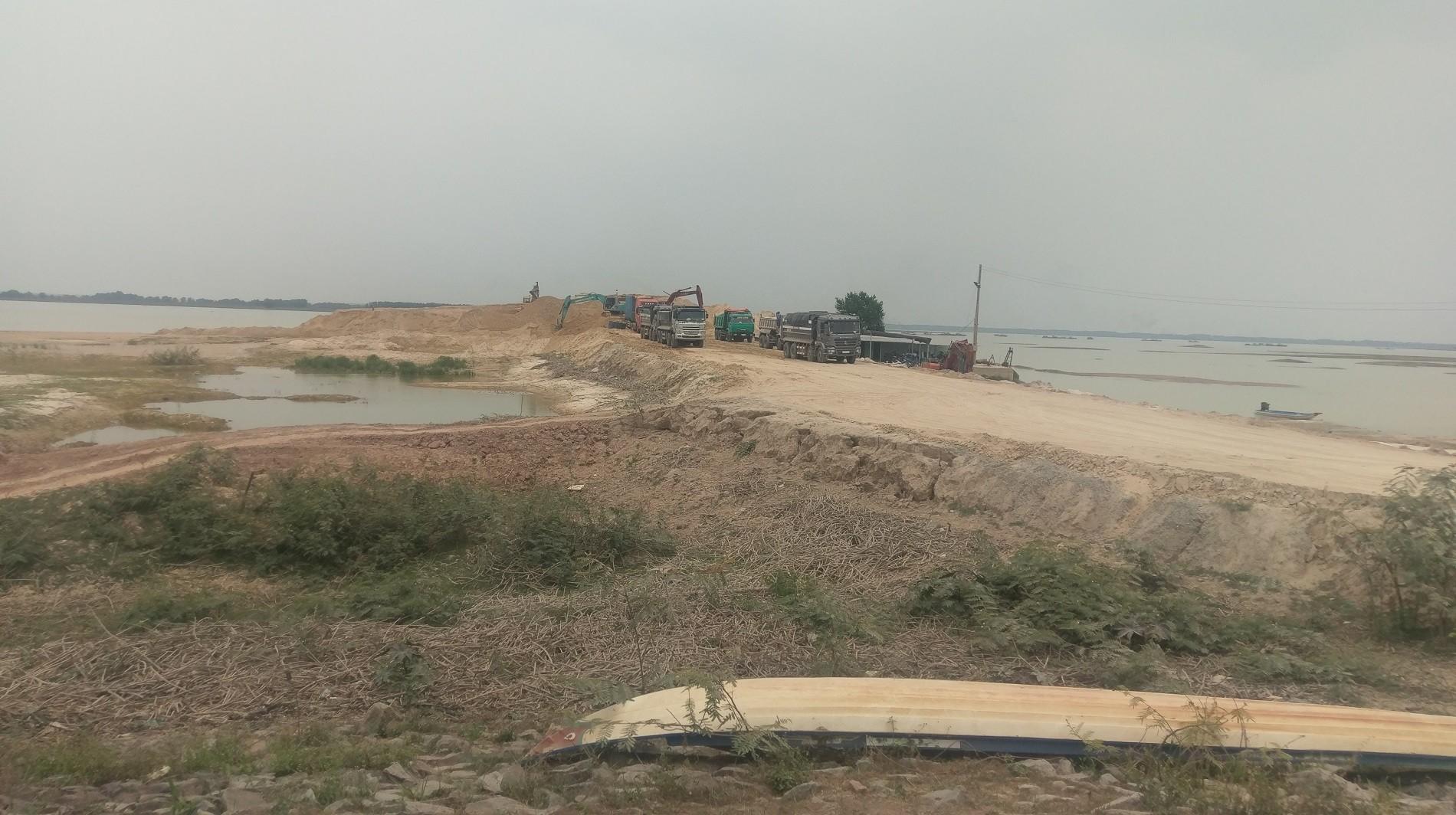 Tây Ninh: Khai thác cát ồ ạt, người dân than trời (Hình 3).