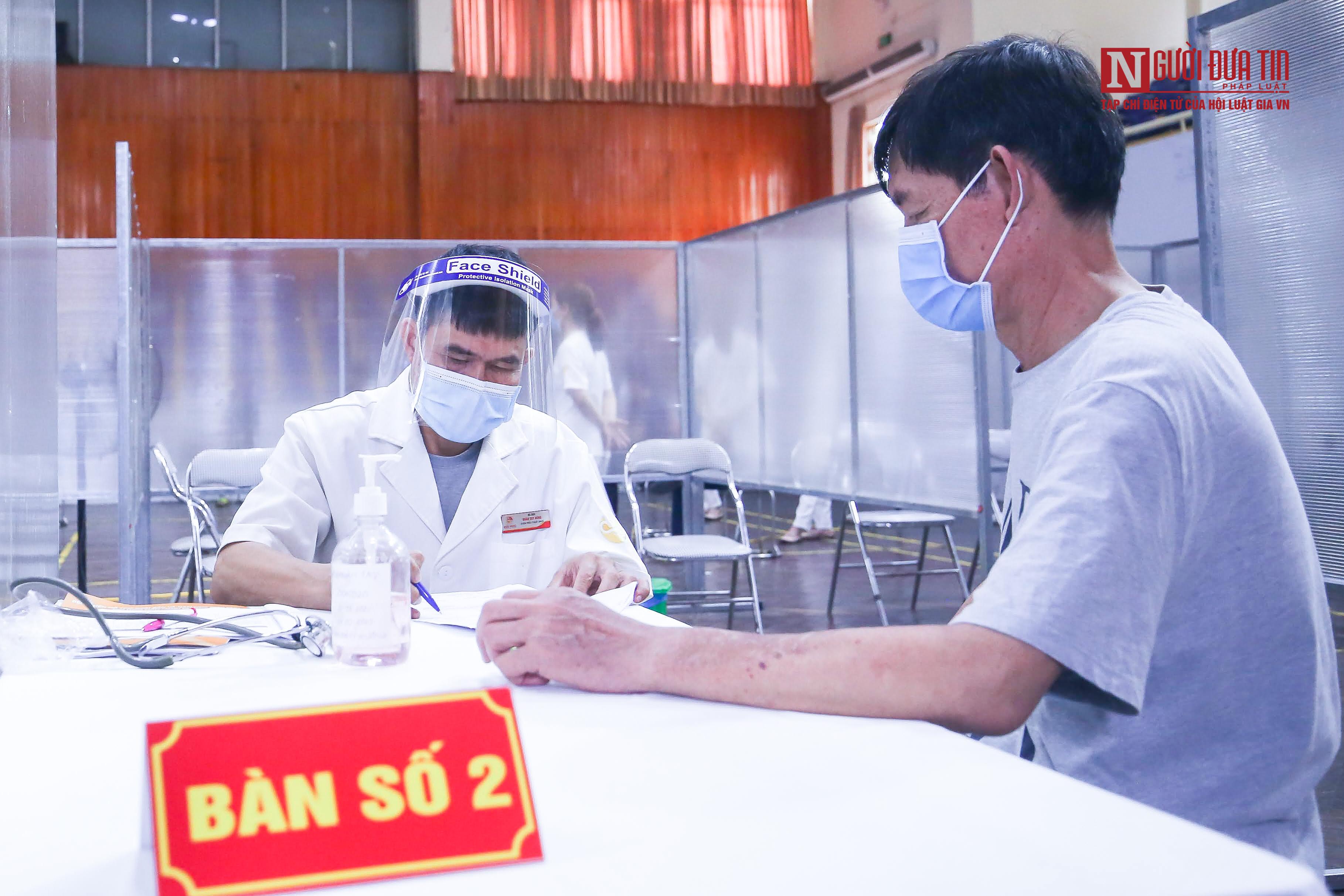 """Dân sinh - Hà Nội: Thiết lập """"bệnh viện dã chiến"""" tiêm vắc-xin cho người dân (Hình 3)."""