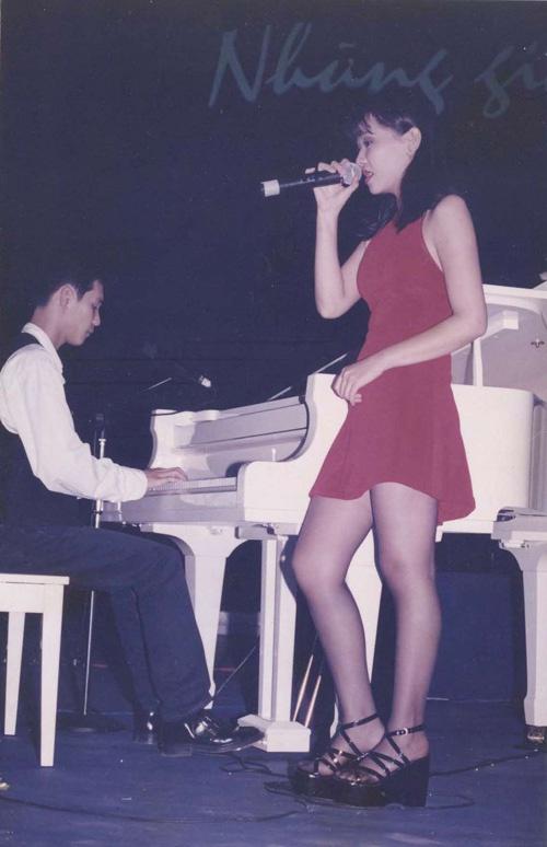 Giải trí - Ngắm nhan sắc đời thường của ca sĩ Thu Minh thời thiếu nữ (Hình 2).