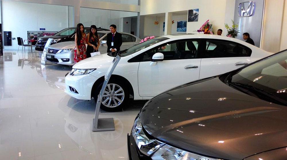 """Xe++ - Vì sao Honda CR-V giảm giá """"sốc"""" hơn Mazda CX-5?"""