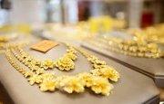 Tin Thị trường: Giá vàng hôm nay 11/4: Vừa tăng mạnh lại giảm sâu, vàng khiến nhà đầu tư mất niềm tin