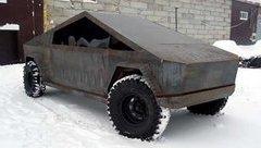 Thú chơi xe - Xe 'U Oát' độ thành bản sao Tesla Cybertruck với kích thước hoàn hảo