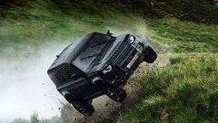 Thị trường xe - Land Rover Defender mới sẽ xuất hiện với những pha mạo hiểm cực độ trong James Bond 25