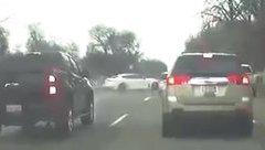 Video xe - VIDEO: Lái xe ẩu sau cơn mưa lớn, tài xế thoát chết trong gang tấc