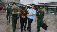 An ninh - Hình sự - 'Nữ quái' U40 giấu ma túy trong vùng kín, khóc vật vã khi bị bắt