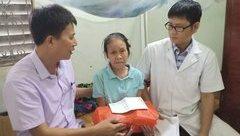 Tin nhanh - Báo ĐS&PL - Người Đưa Tin phối hợp tổ chức khám, cấp thuốc miễn phí cho người có công