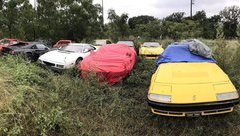Thú chơi xe - Không kịp trả tiền thuê kho, 15 siêu xe bị quẳng thẳng ra vườn