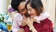 Sự kiện - Khánh Thi bật khóc trong tiệc sinh nhật của chồng kém 12 tuổi