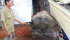Tin nhanh - Sạt lở đá ở núi Ba Hòn, người dân hoảng loạn tháo chạy thoát thân