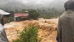 Tin nhanh - Nghệ An: Thiệt hại hơn 600 tỷ, 300 nhà dân vẫn đang bị ngập sau bão
