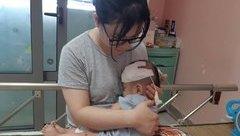 Tin nhanh - Xót lòng bé 14 tháng tuổi phải trải qua 11 ca phẫu thuật