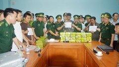 An ninh - Hình sự - Nhóm đối tượng tuồn 52 bánh heroin vào Việt Nam như thế nào?