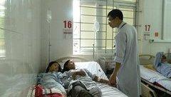 Tin nhanh - Hà Tĩnh: Cả gia đình cấp cứu trong đêm vì ăn nấm rừng