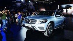 Thị trường xe - Mercedes GLC bị tố nước chui vào cầu trước, 'lội nước' thua Ford EcoSport