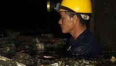 Xi nhan Trái Phải - 'Văn hoá đổ rác' sẽ giúp công nhân nạo vét cống bớt nhọc nhằn