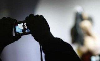 Pháp luật - Khởi tố nhóm đối tượng dàn cảnh tống tiền cụ ông 77 tuổi