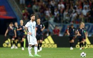 """Nóng: Messi """"đảo chính"""" đòi thay HLV trưởng 1"""