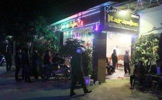 An ninh - Hình sự - Hỗn chiến tại quán karaoke, 2 thanh niên bị trọng thương