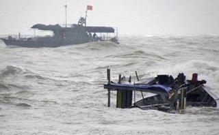 Tin nhanh - Quảng Ninh: Ráo riết công tác tìm kiếm 3 ngư dân mất tích trên biển