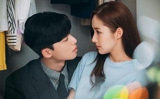 Ngôi sao - 'Thư ký Kim' mệt mỏi, uống rượu vì nghi vấn hẹn hò