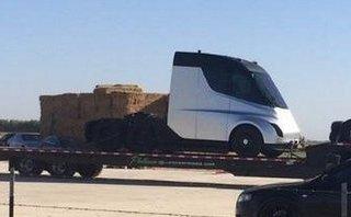 Xe++ - Xe tải đầu kéo chạy điện Tesla Semi lộ diện trước ngày ra mắt