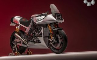 Xe++ - Ngắm bản dựng Suzuki Katana cổ điển từ mẫu xe đua SBK huyền thoại GSX-R1000