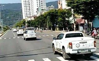 Sau vô lăng - Ô tô đi thành đoàn, 'hồn nhiên' vượt đèn đỏ ở Đà Nẵng
