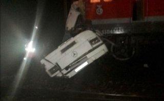 Tiêu điểm - Hé lộ lý do khiến tàu hỏa đâm xe bus ở Nga làm 19 người thiệt mạng