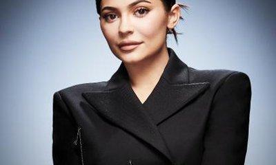 Kylie Jenner bị tố giả mạo tờ khai thuế để giành 'tỷ phú tự thân trẻ nhất thế giới'